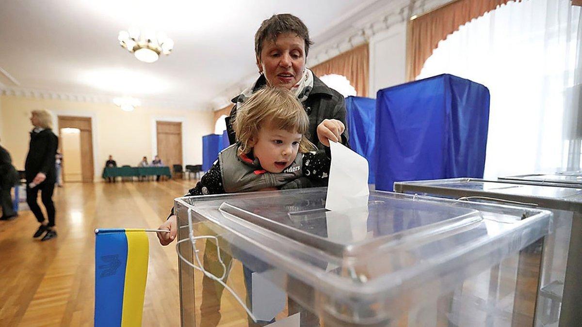 Второй тур местных выборов: явка менее 10%