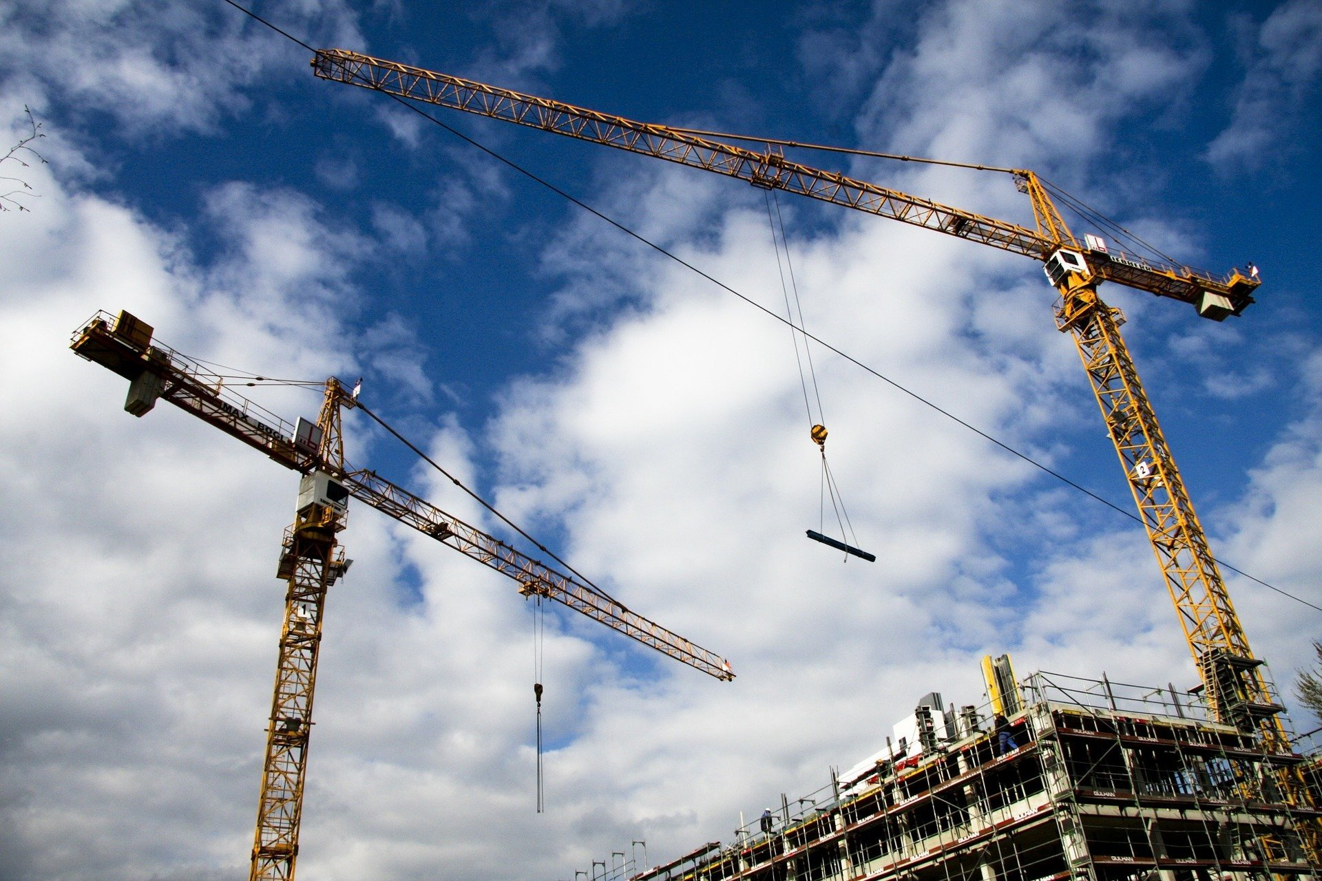 В Киеве вместо строительства новых школ, достроят старые