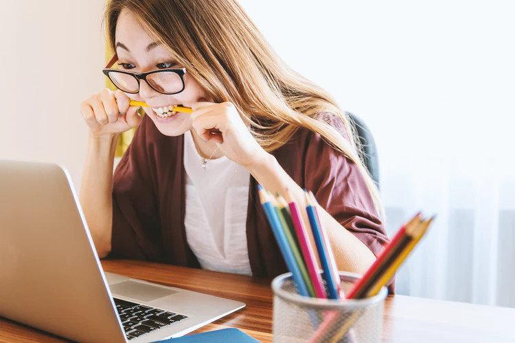 Связь между выгоранием и стрессом на работе