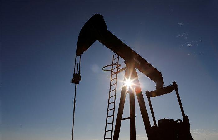 Нефть продолжила дорожать после достижения максимумов