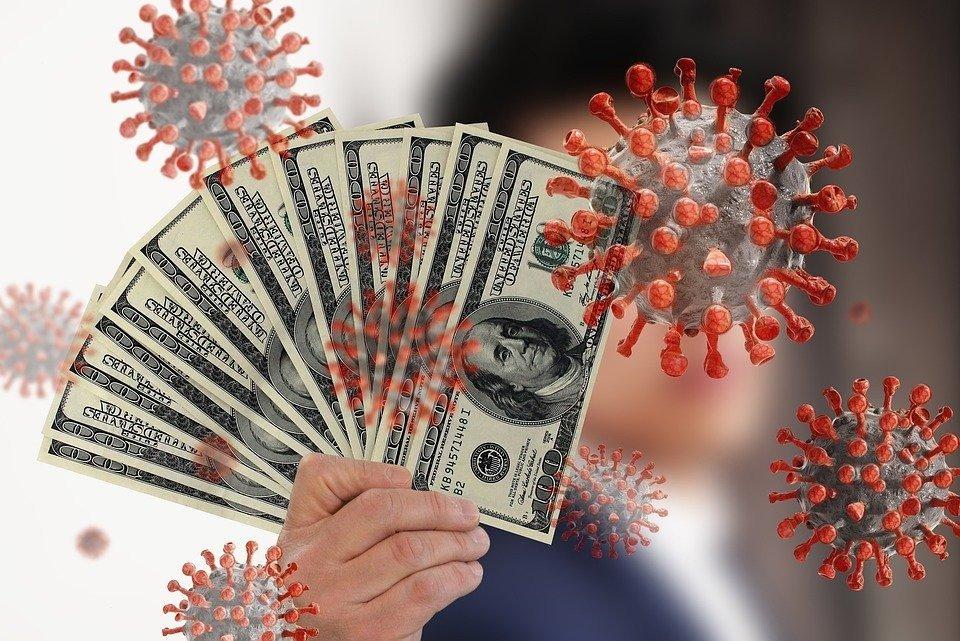 Деньги и коронавирус: как избежать опасности