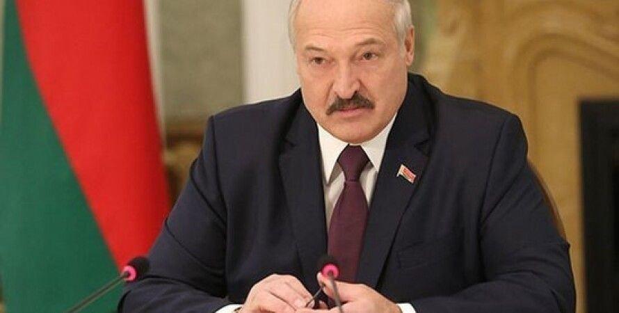 """Лукашенко назвал Тихановскую """"лохушкой"""" (видео)"""