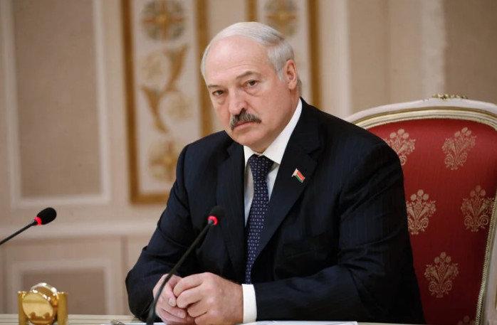 Лукашенко ответил на революцию в Беларуси