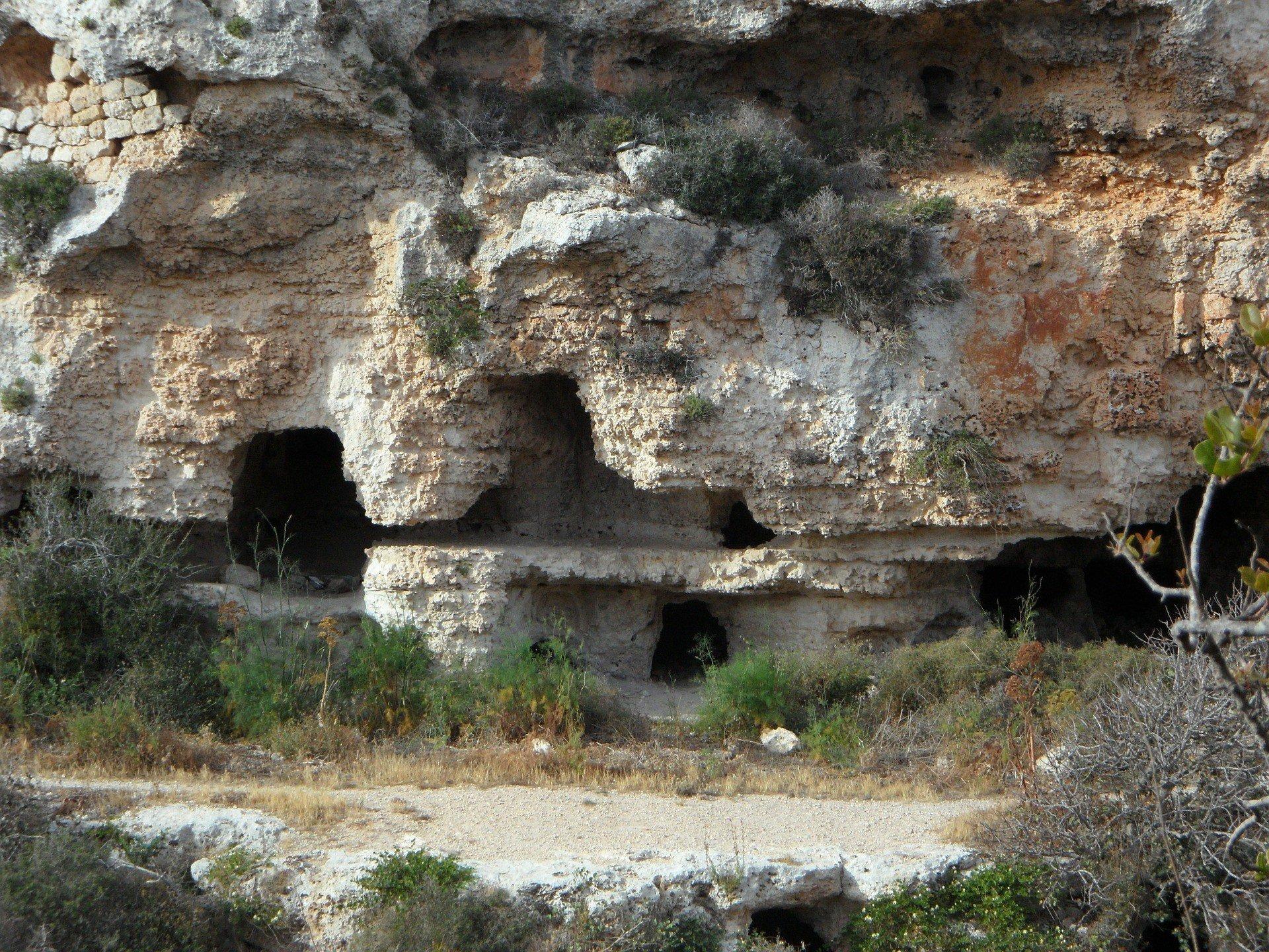В Испании раскопали огромный некрополис
