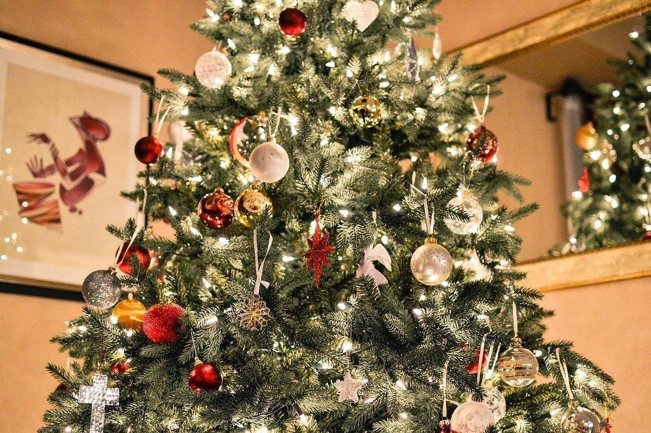 Как выглядит самая дорогая новогодняя елка Украины