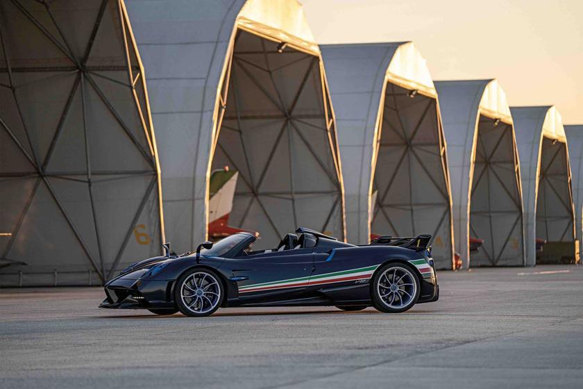 В Италии представили эксклюзивный люксовый спорткар