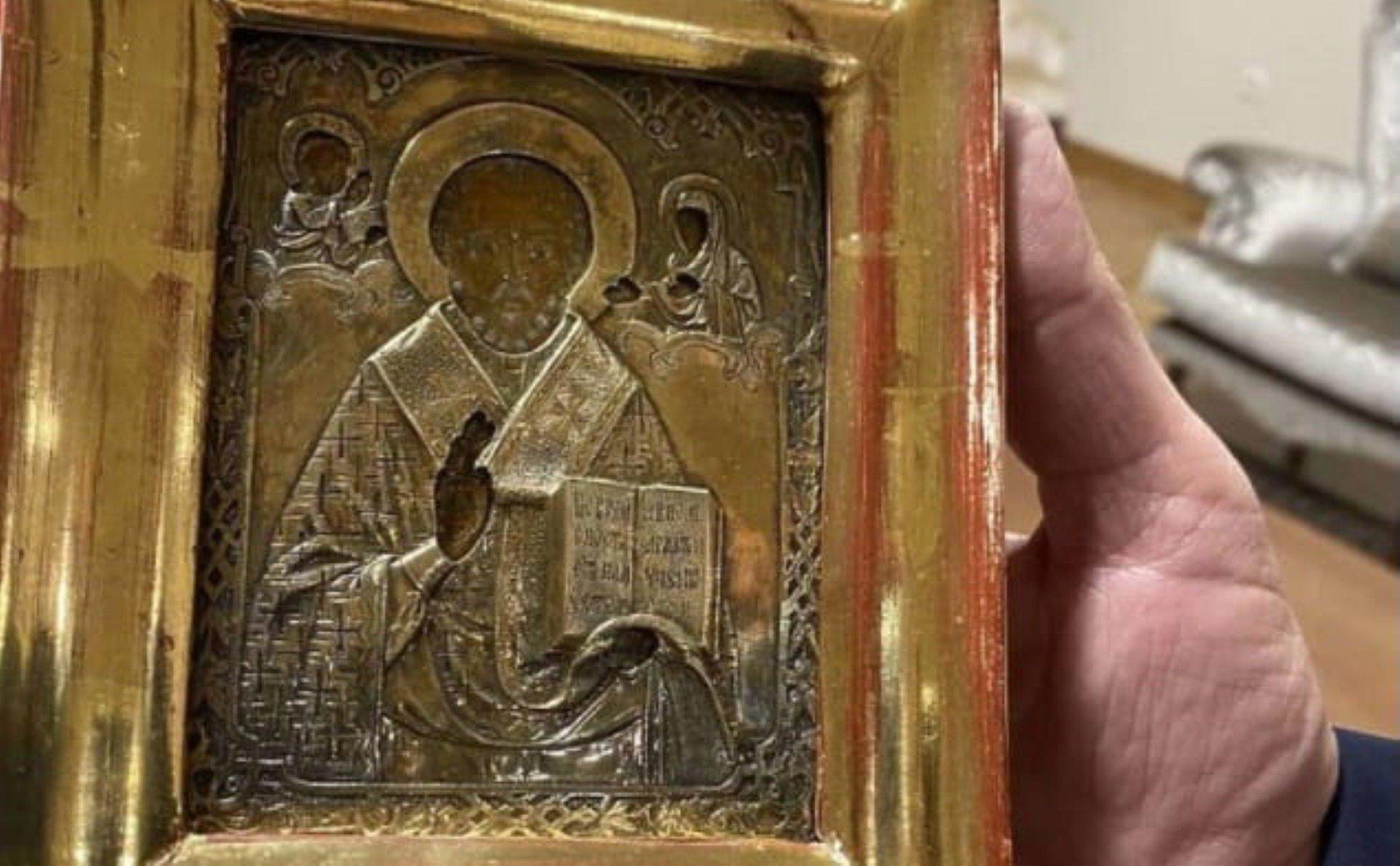 В Боснии открыли дело из-за подаренной Лаврову иконы