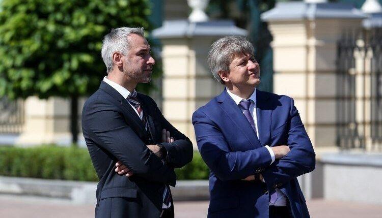 """Зачем Рябошапке и Данилюку """"укреплять государство"""""""