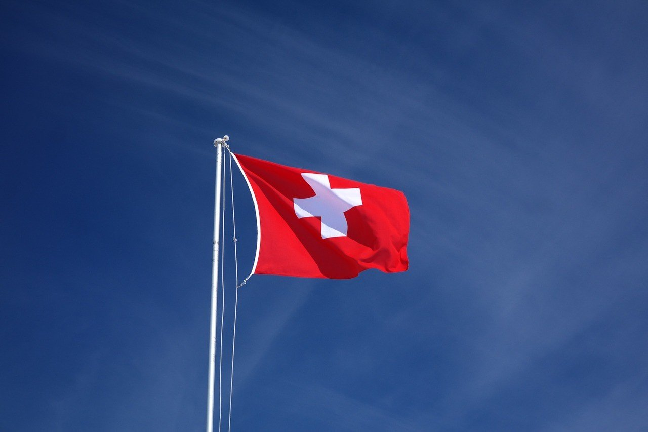 В Швейцарии легализовали однополые браки