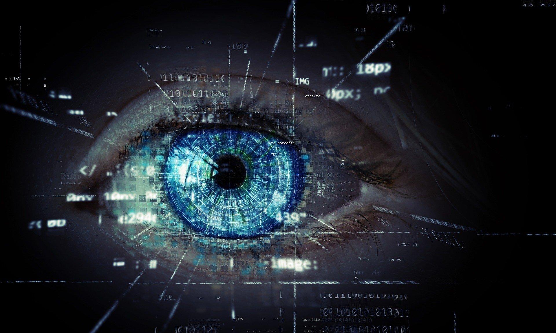 В Японии работают над контактными линзами с дополненной реальностью