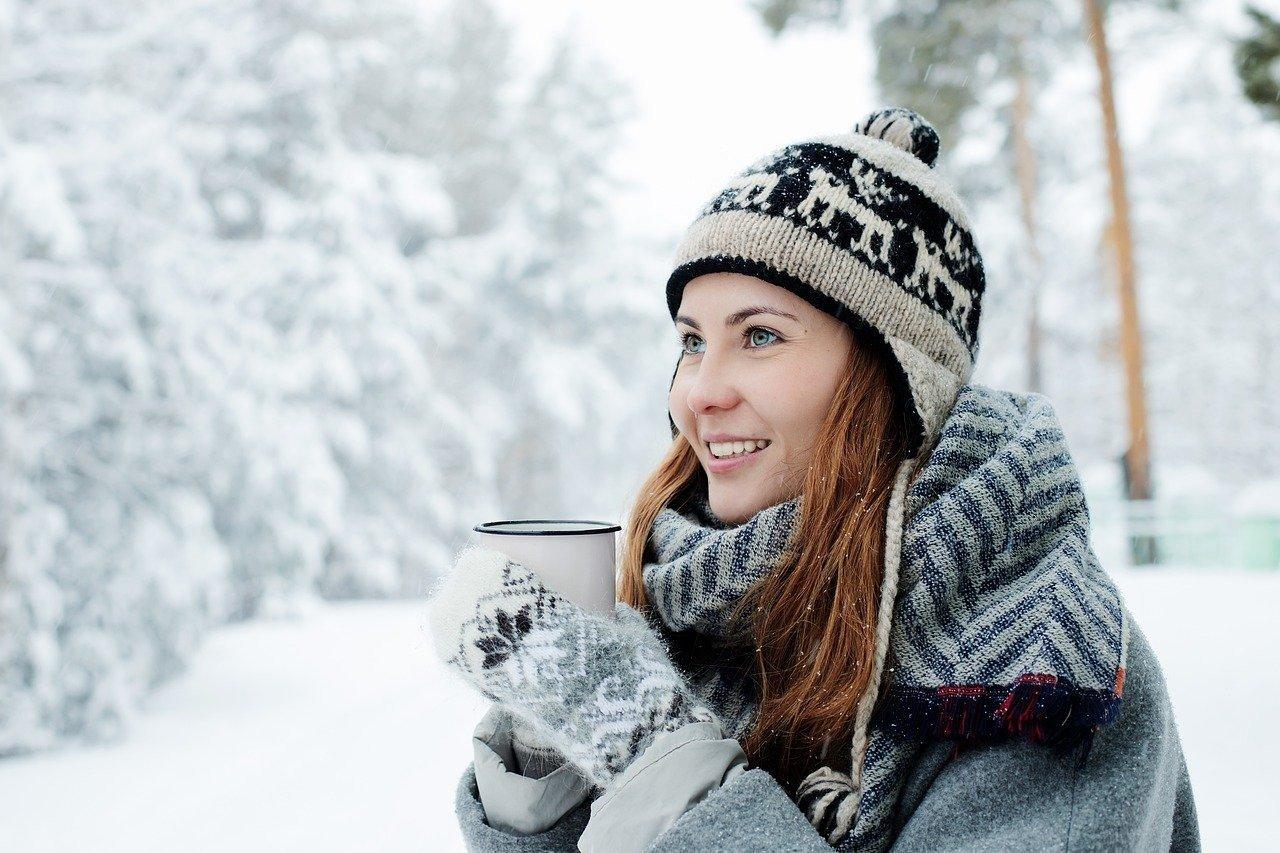 Как согреться во время морозов на улице, дома и в офисе – советы кардиолога
