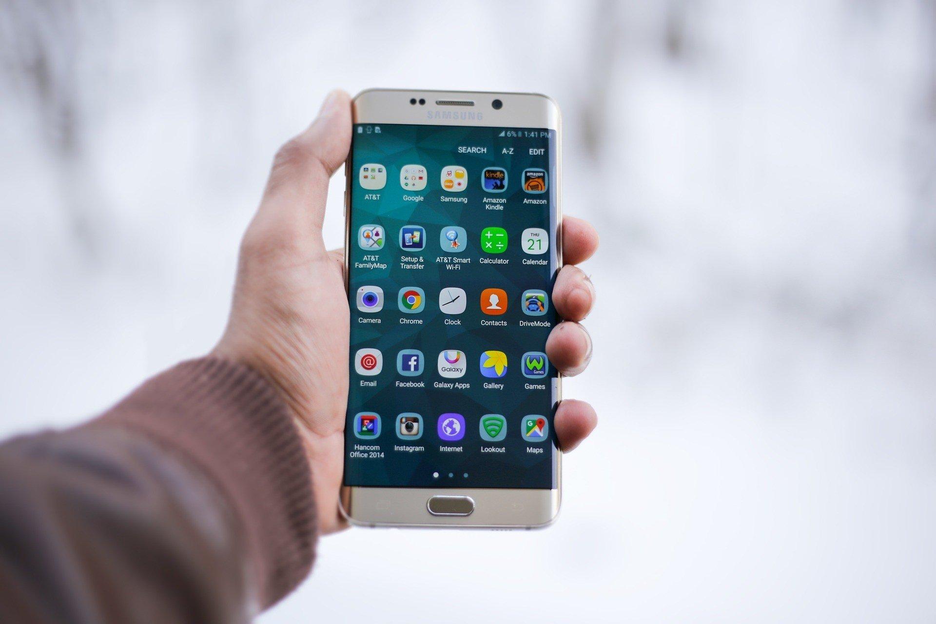 Во флагманах Samsung обнаружили проблемы с безопасностью