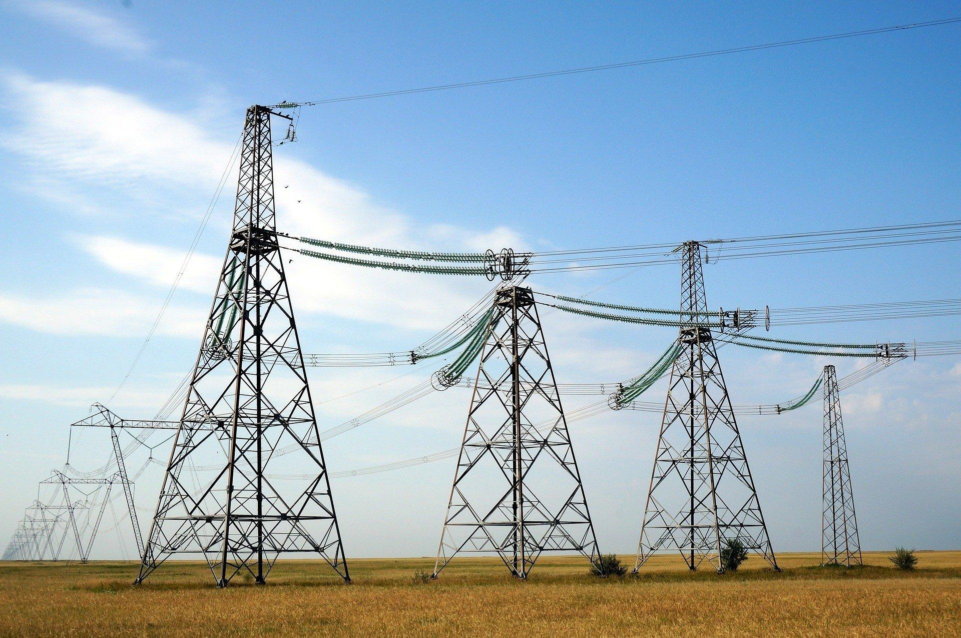 Білорусь повідомила про екстрені постачання електроенергії в Україну