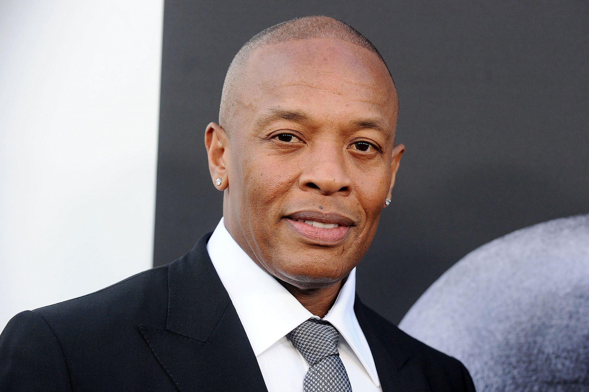 Рэпер и продюсер Dr. Dre попал в реанимацию