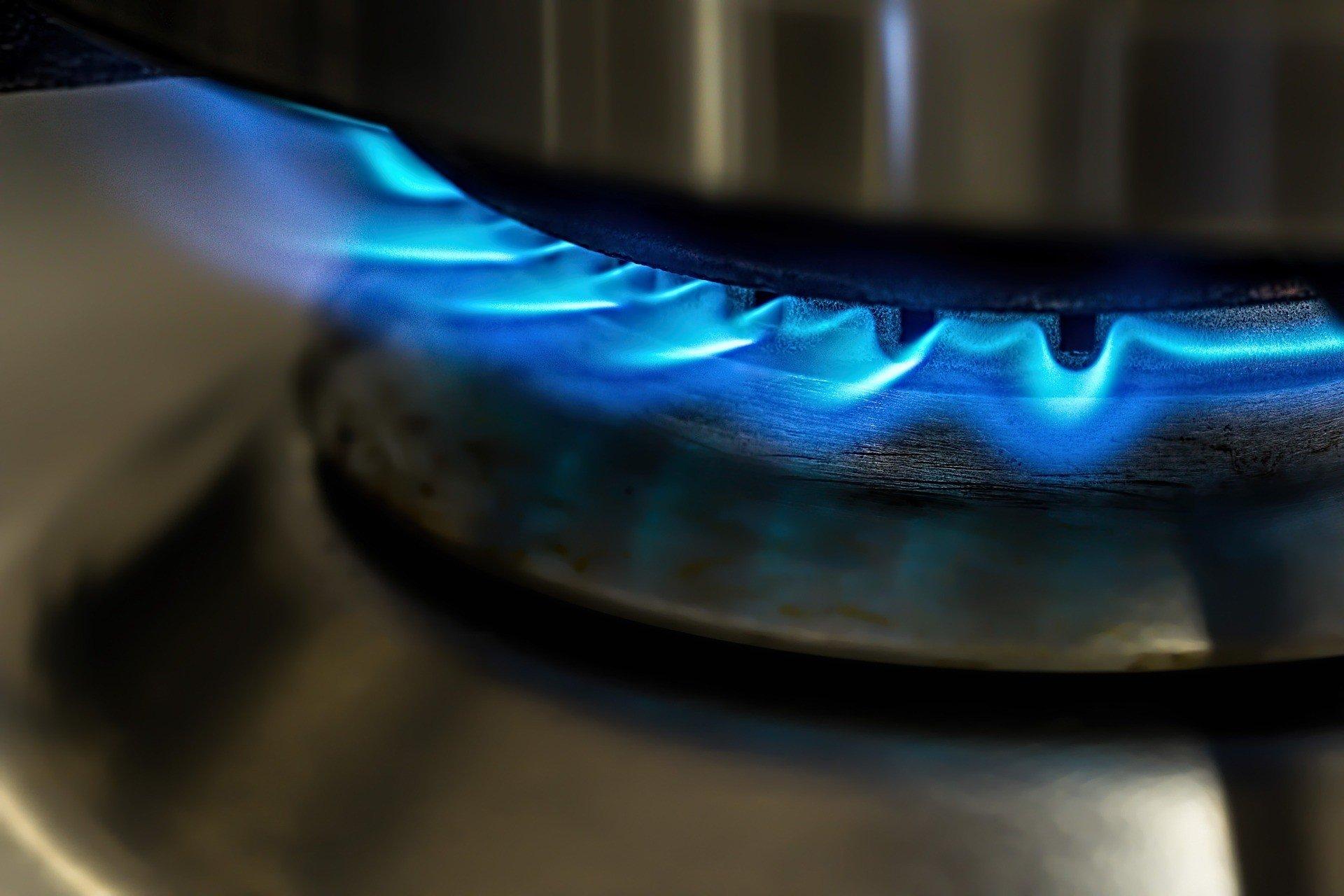 Снижение цен на газ и платежки - мнение эксперта