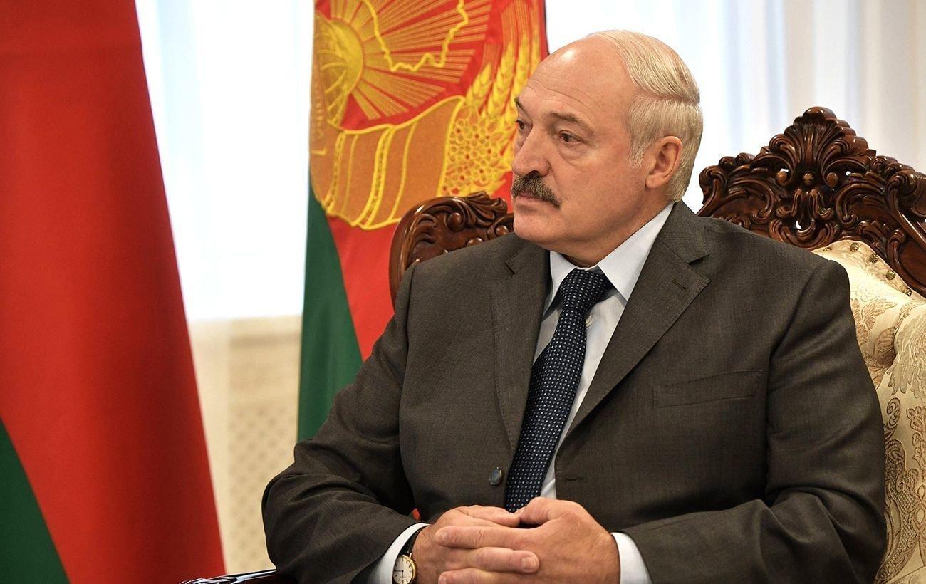Беларусь превращается в классическую военную диктатуру