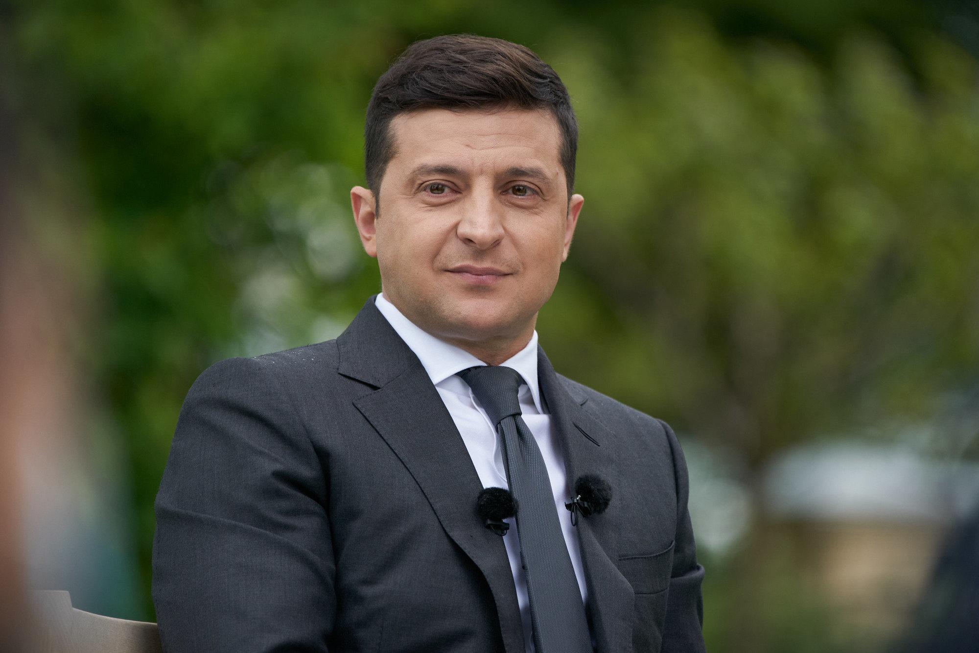 Зеленський в Буковелі: українці викладають селфі з президентом