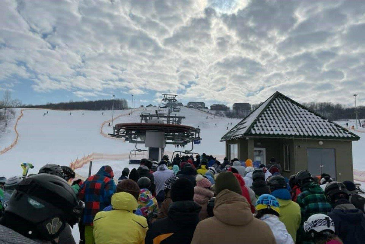 Скичко в пуховике за 55 тыс. грн пропиарил горнолыжный курорт Черкасчины