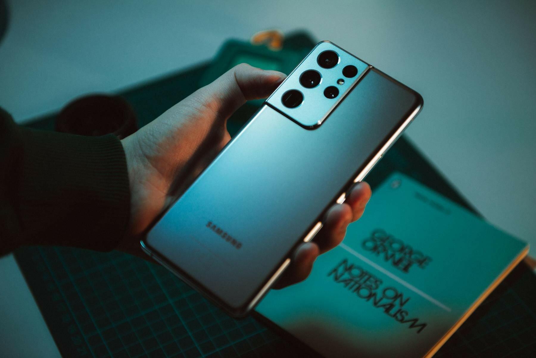 Samsung Galaxy S21 оказался реальным хитом