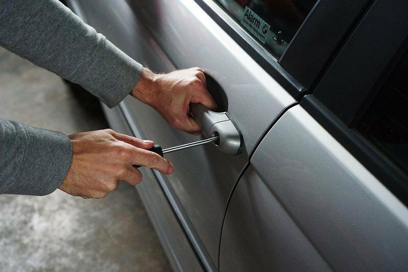Советы полиции: как уберечь авто от взлома