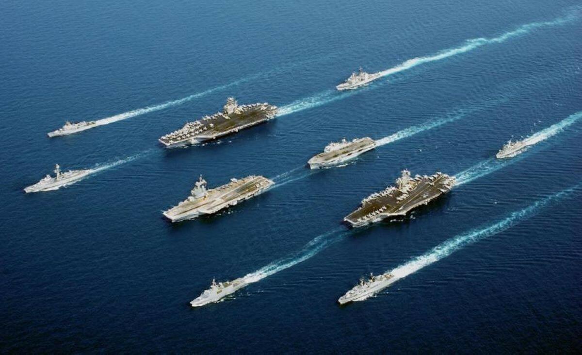 В США предложили оснащать авианосцы лазерным оружием