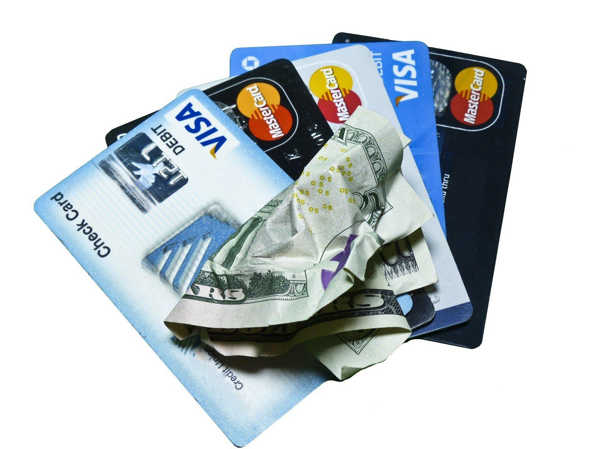 Обнаружена мошенническая схема хищения средств с банковских карточек