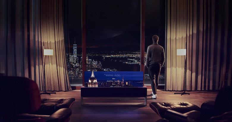 Начались продажи первого в мире сворачивающегося телевизора