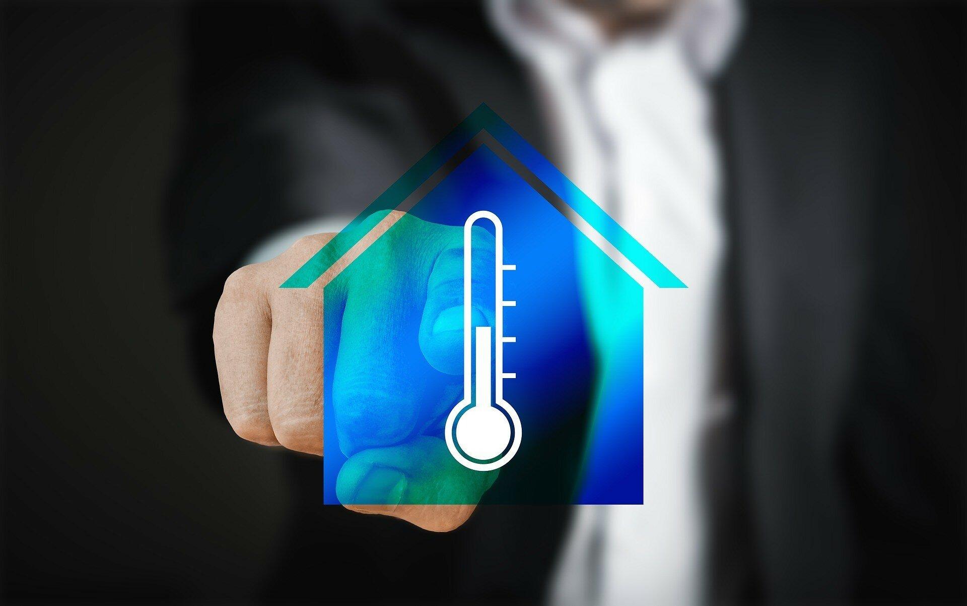 Как по дешевке утеплить свое жилье и сэкономить зимой