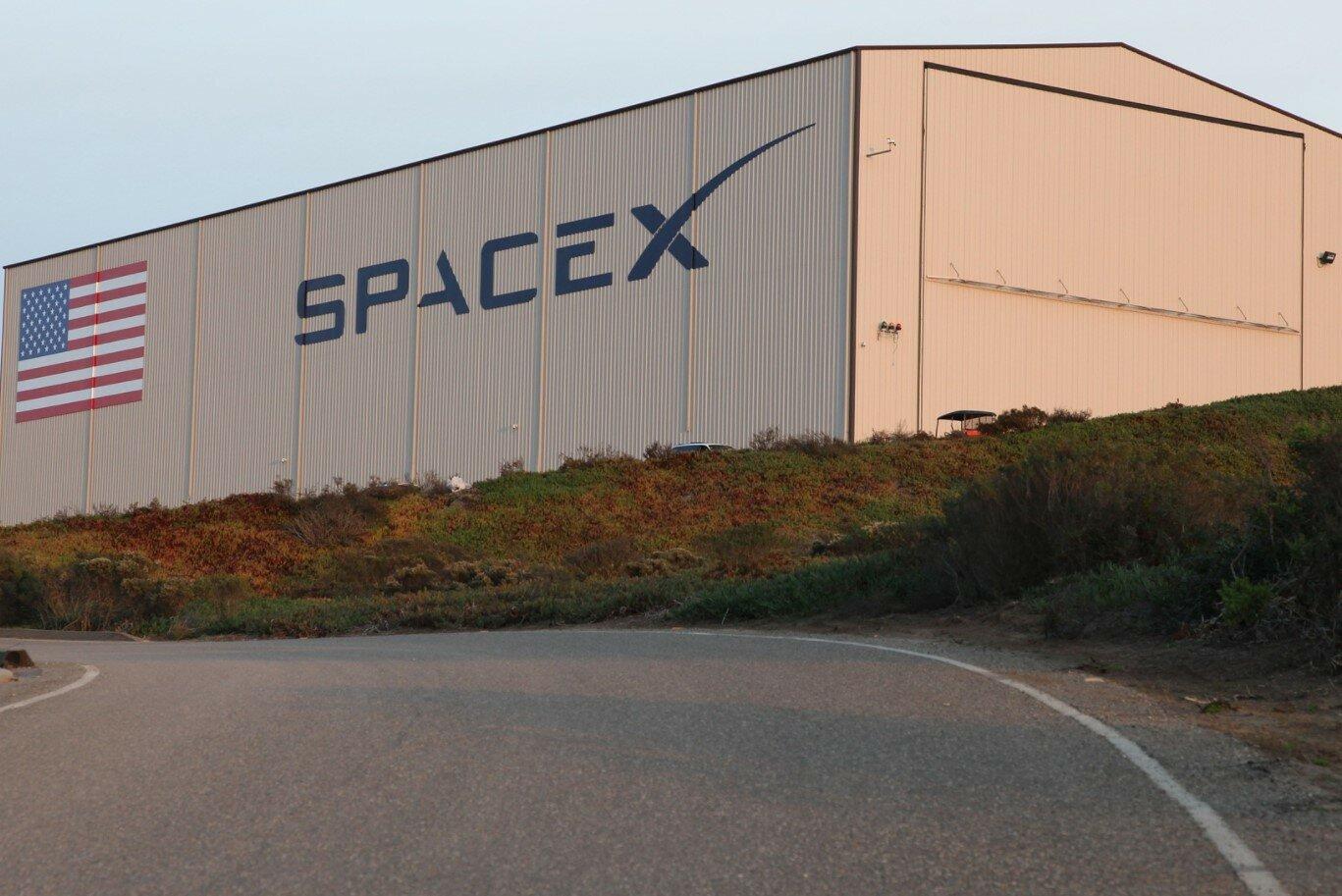 SpaceX запустила на орбиту новую партию спутников Starlink