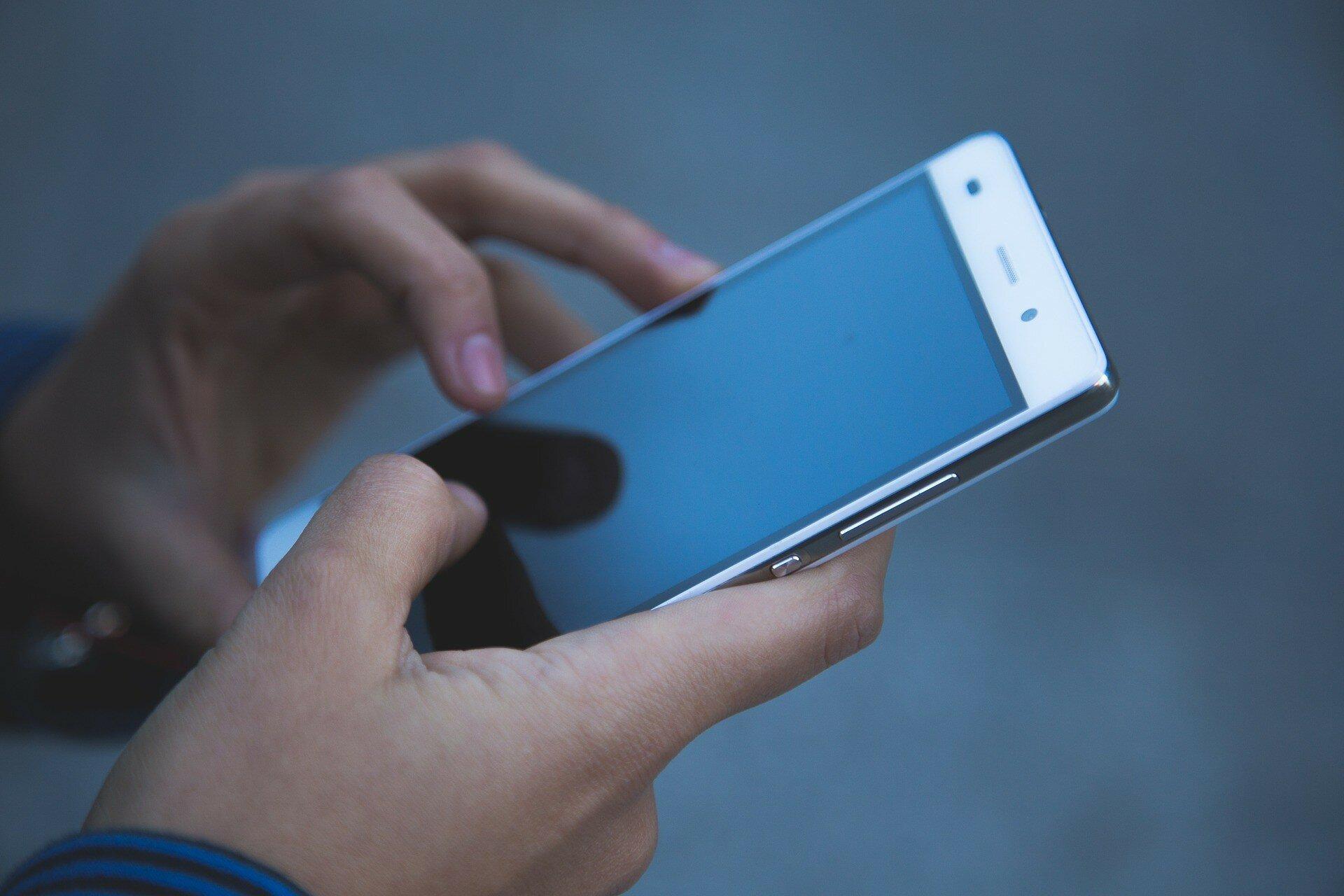 Хакеры устроили вредоносный апдейт смартфонов, взломав сервер производителя