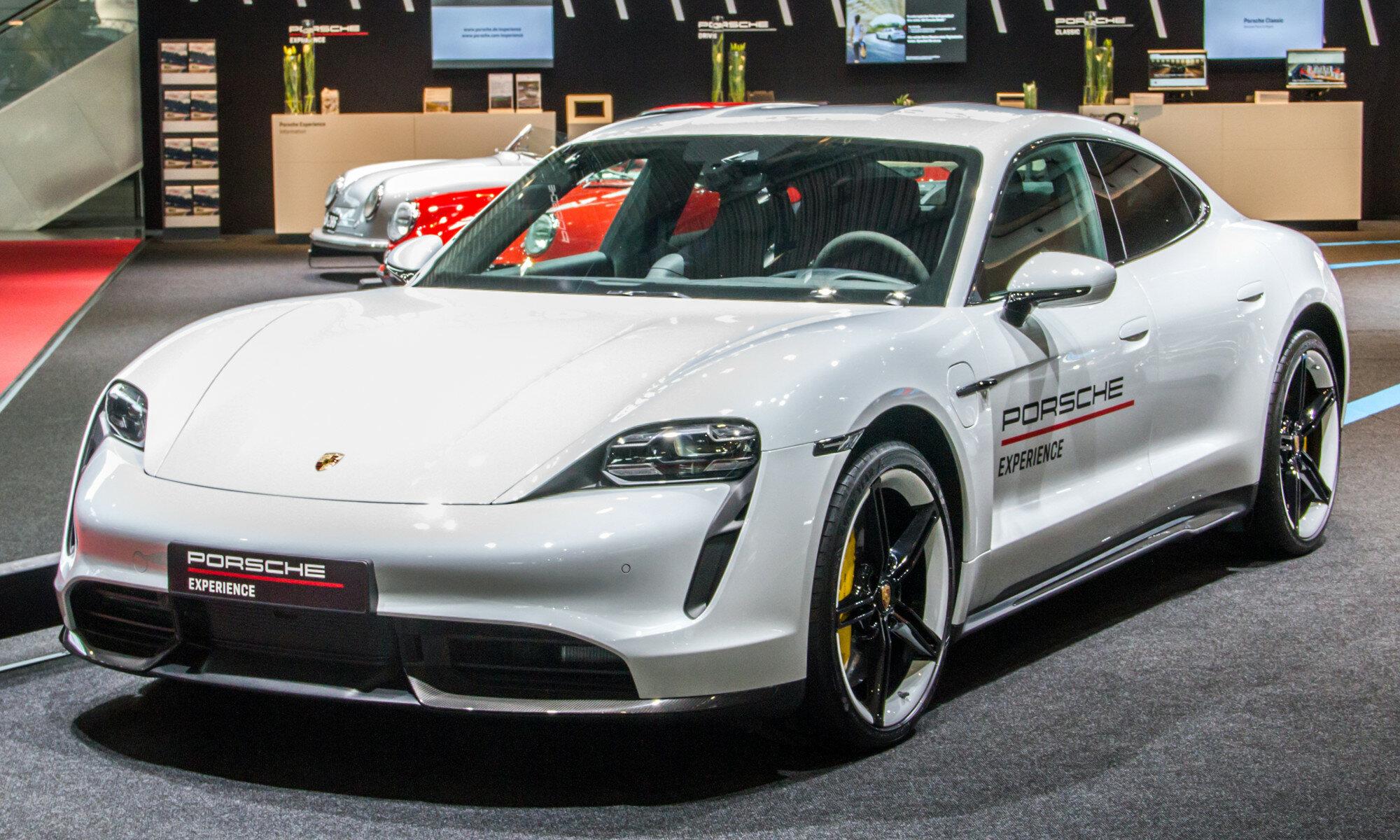 Электрическая сила: тестируем спорткар Porsche Taycan