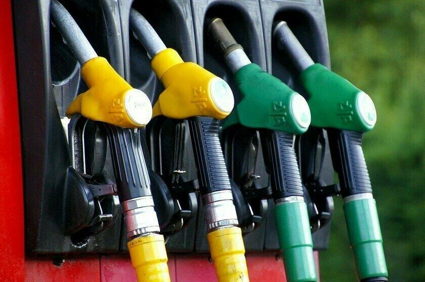 Бензин перестал дешеветь: цены на АЗС