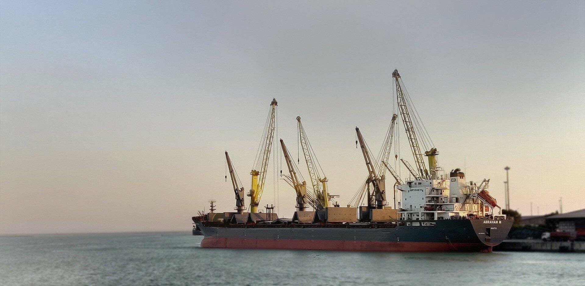 Служебная халатность: Одесский торговый порт недополучил миллионы