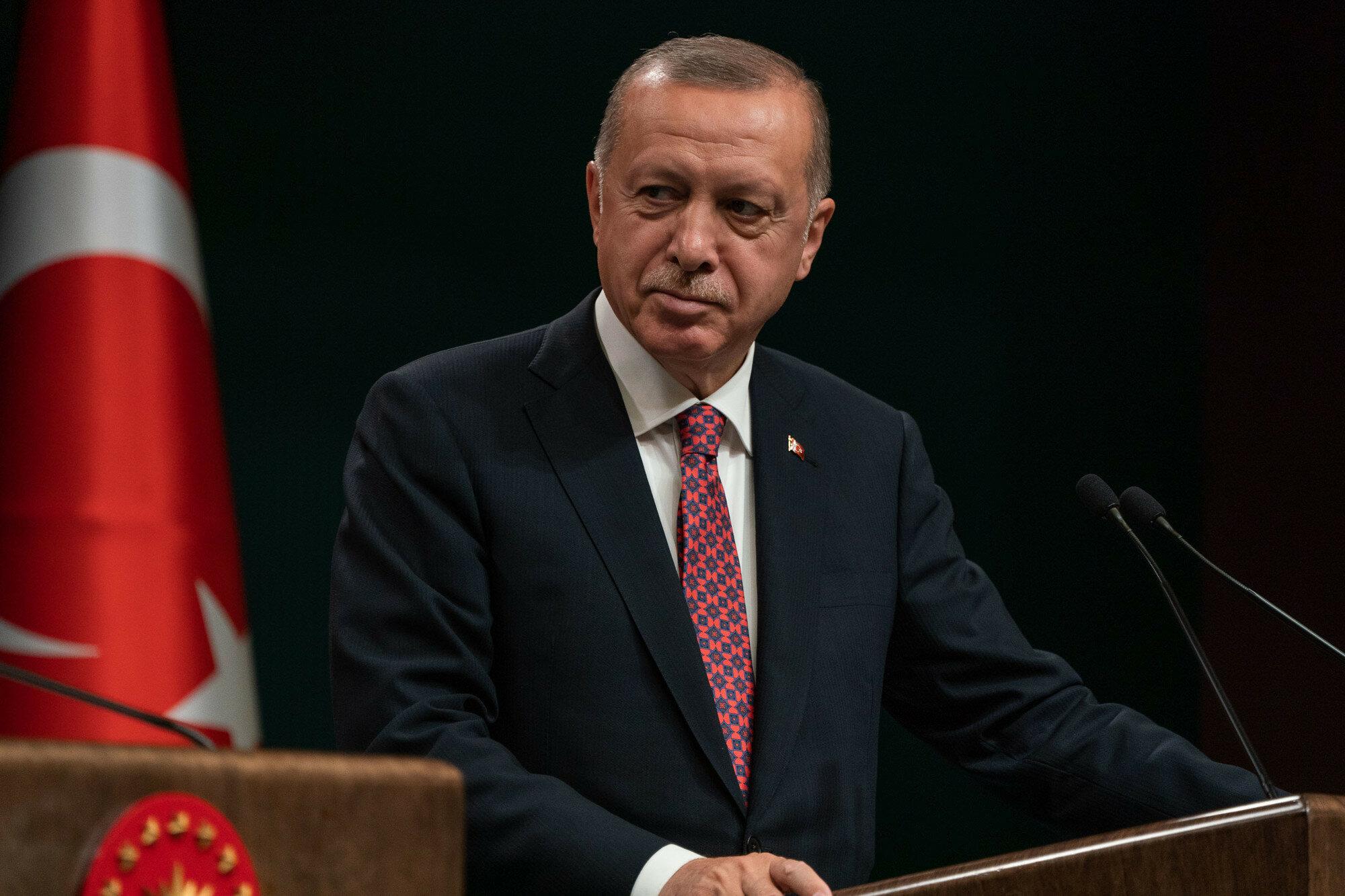"""В МИД Турции назвали комментарии премьера Италии об Эрдогане """"уродливыми"""""""