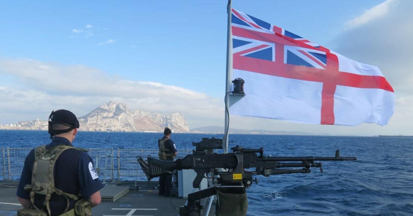 Британские авианосцы отправляются в поход: в маршрут включено Черное море