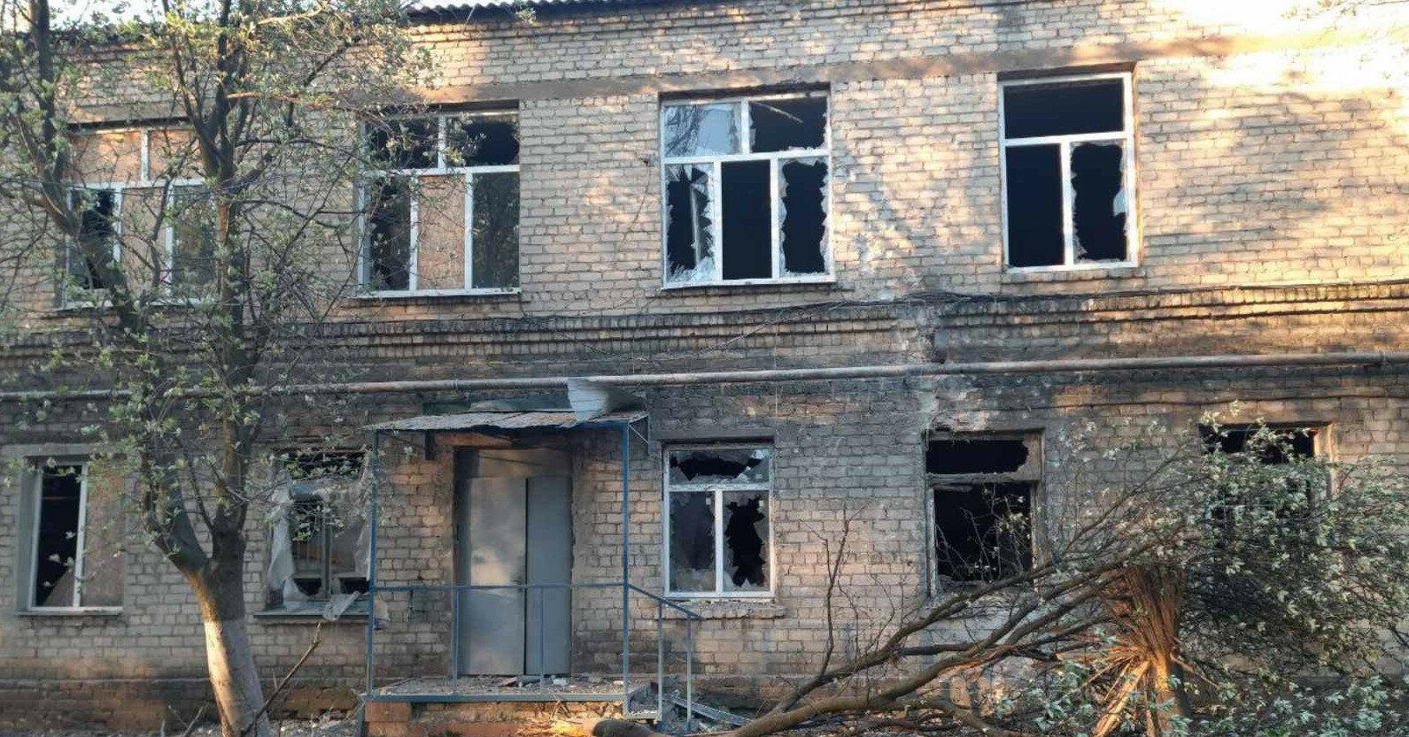 Оккупанты обстреляли COVID-больницу с пациентами в Донецкой области