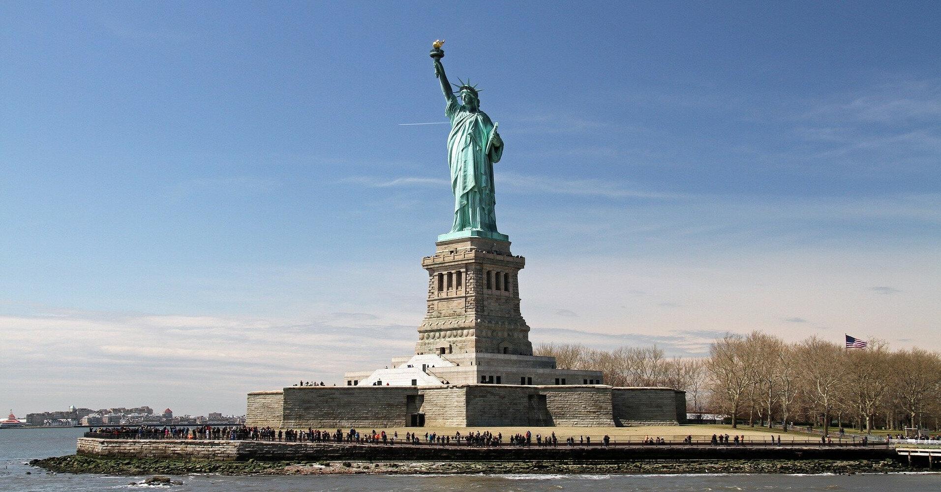Франция намерена отправить США новую статую Свободы