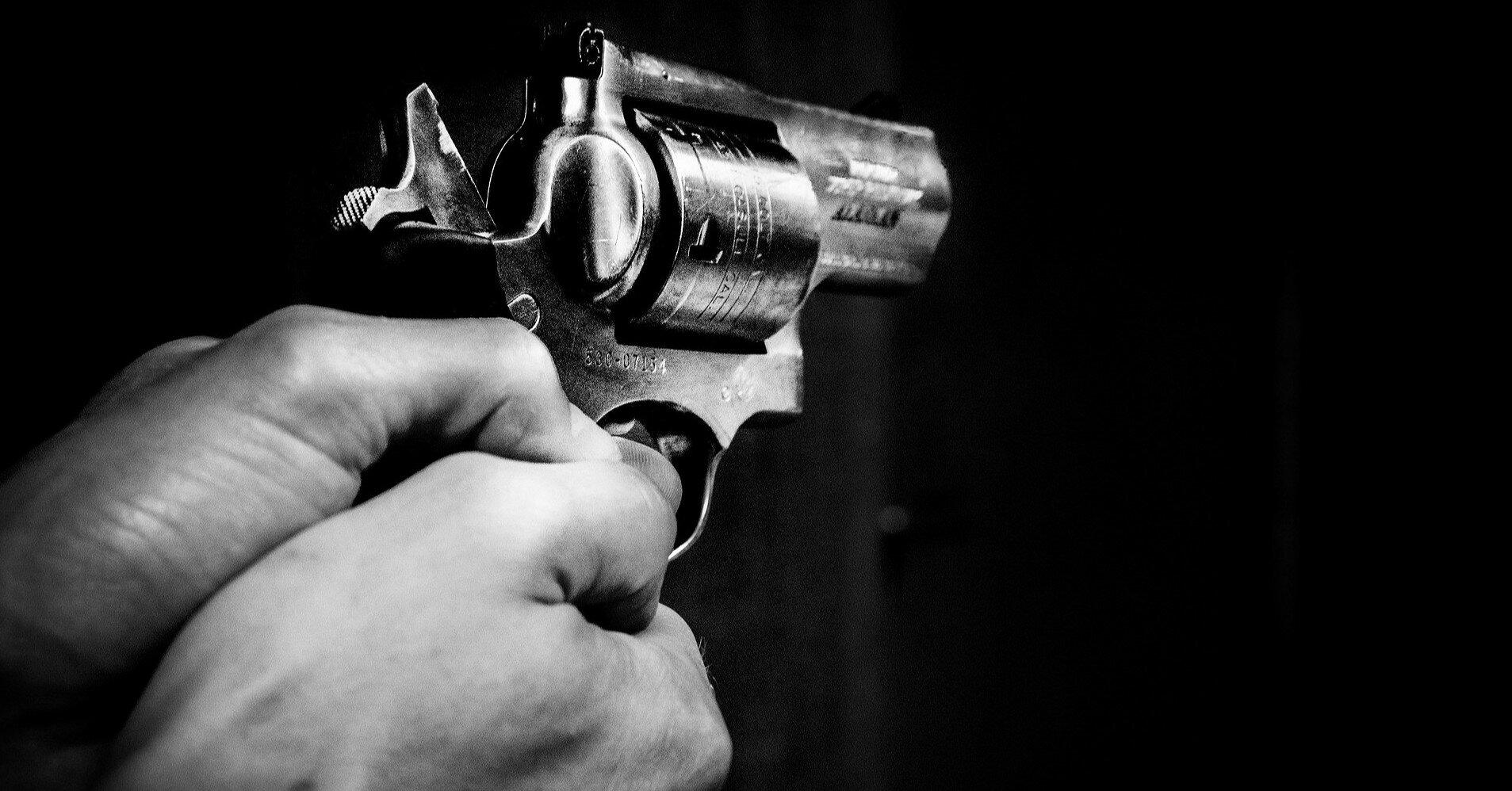 В России бывший полицейский открыл огонь по ребенку и силовикам