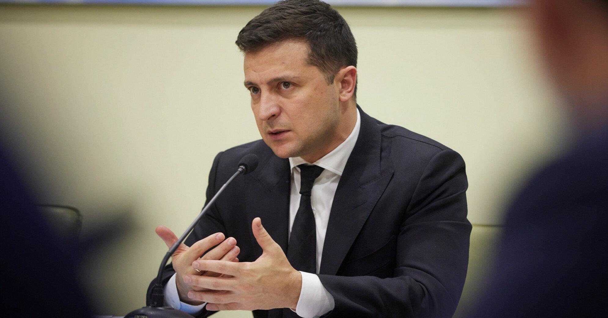 Зеленский пожаловался, что Меркель мало помогала Украине