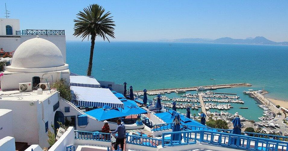 В Тунисе отменили обязательные ПЦР-тесты для вакцинированных туристов