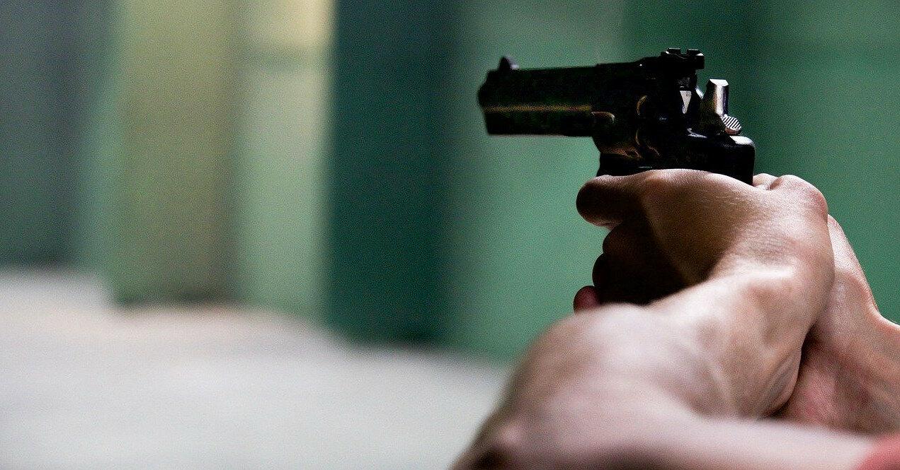 В Кривом Роге подросток попал в девочку из пневматического оружия