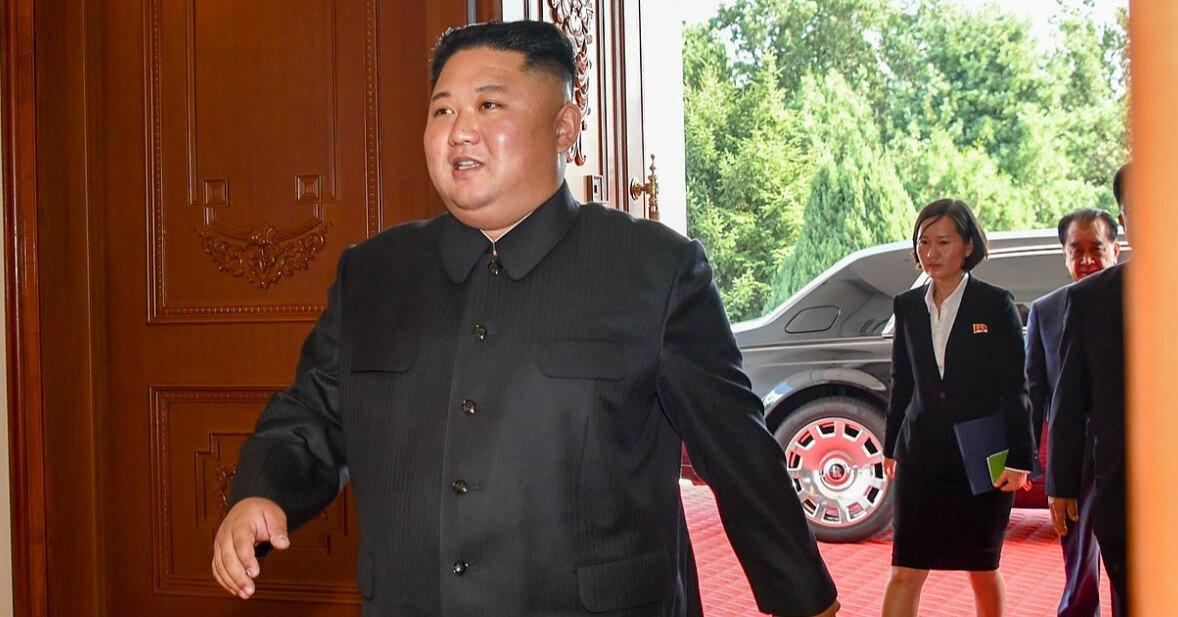 """Лидер КНДР назвал ситуацию в стране """"самой трудной в истории"""""""