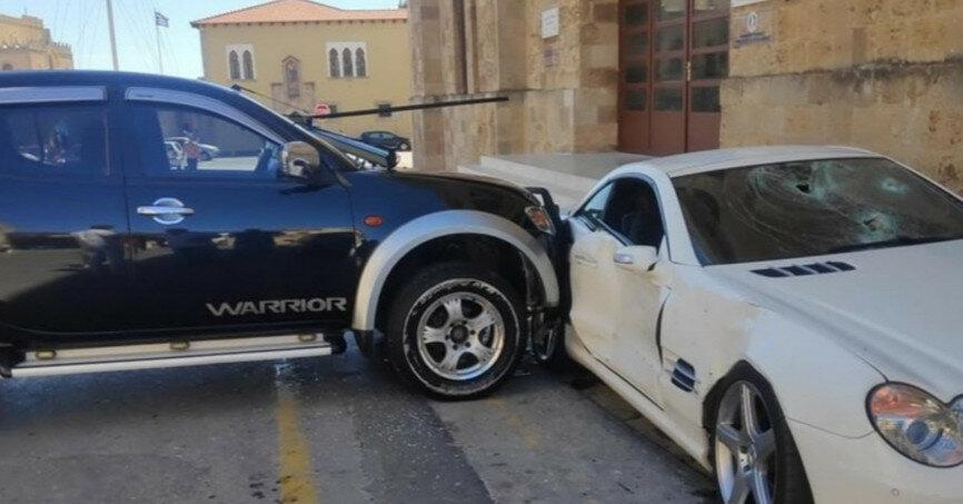 Патрульный разгромил Mercedes начальника полиции (видео)
