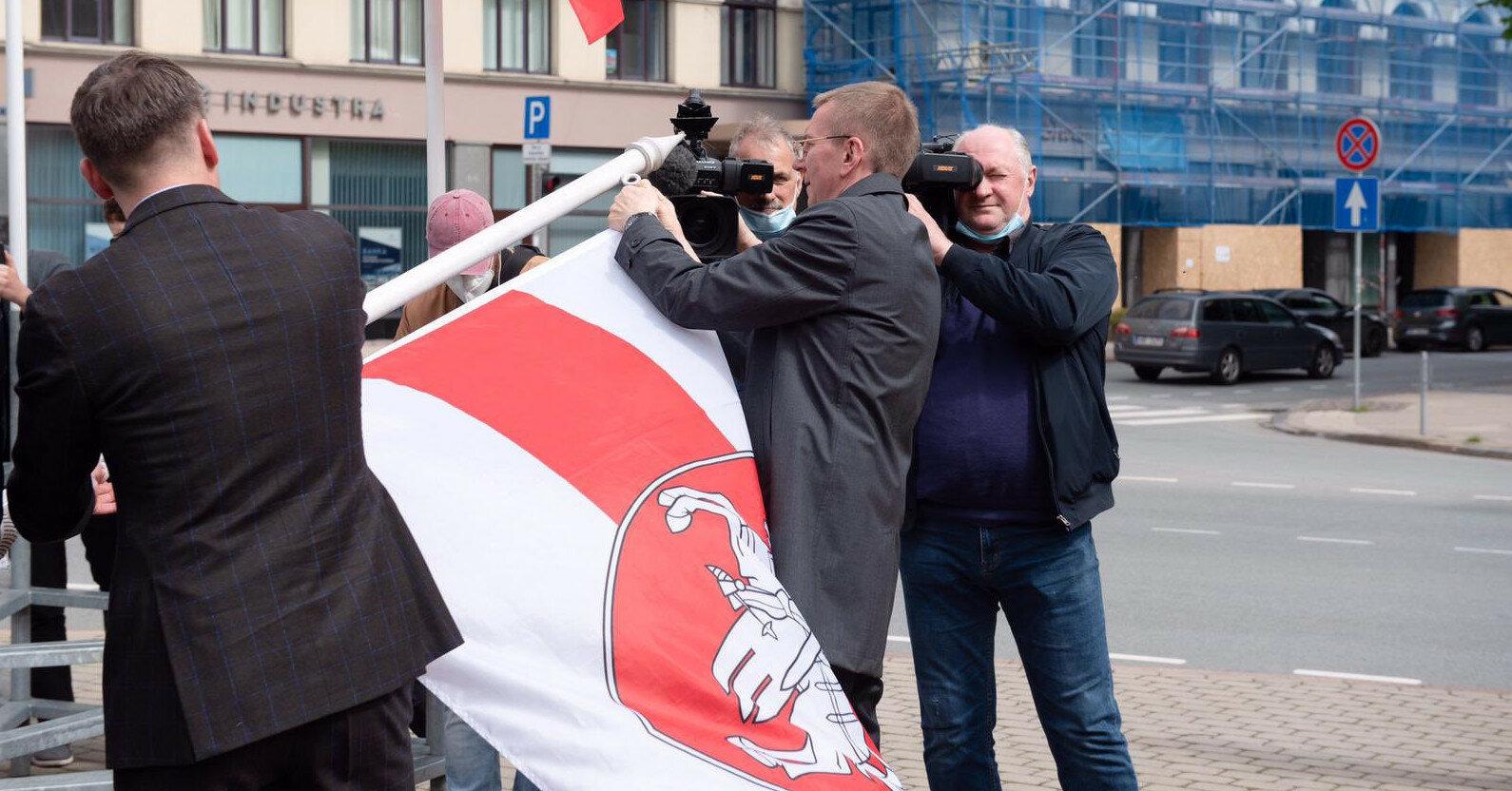 "Глава МИД Латвии написал про ""безумие режима Лукашенко"""