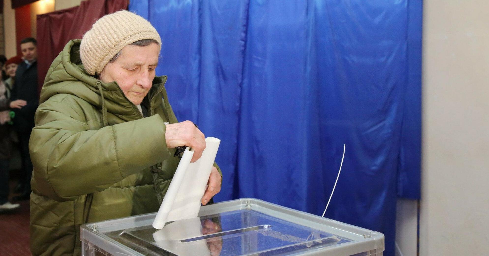 На референдумы в Украине могут вынести три волнующие темы