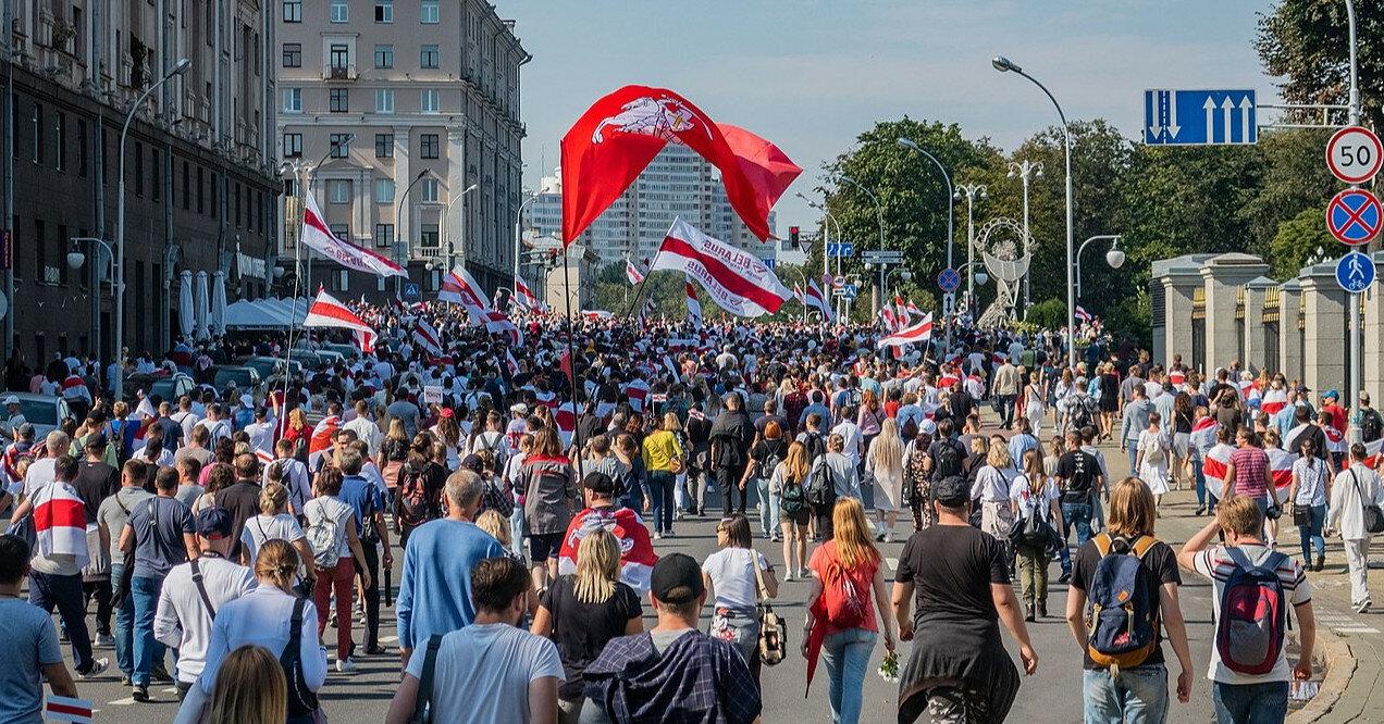 Тысячи белорусов переехали в Украину с начала протестов — СНБО