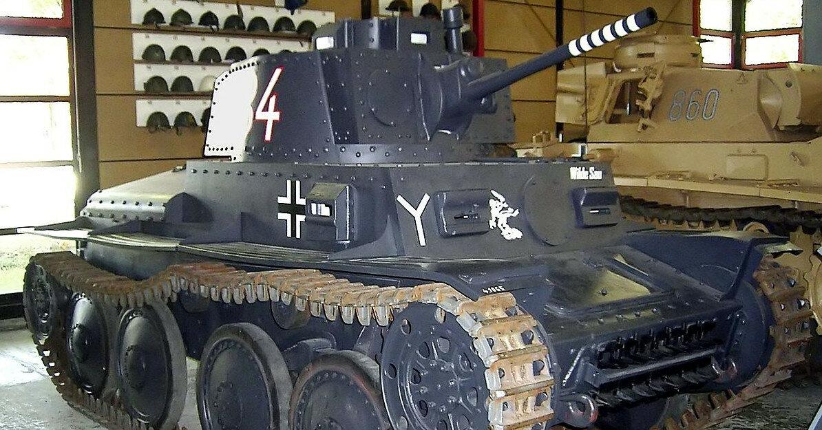 В Германии пенсионер хранил в подвале нацистский танк