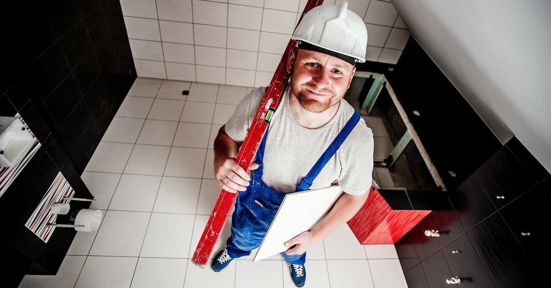 Резко вырос спрос на ремонтников: расценки растут
