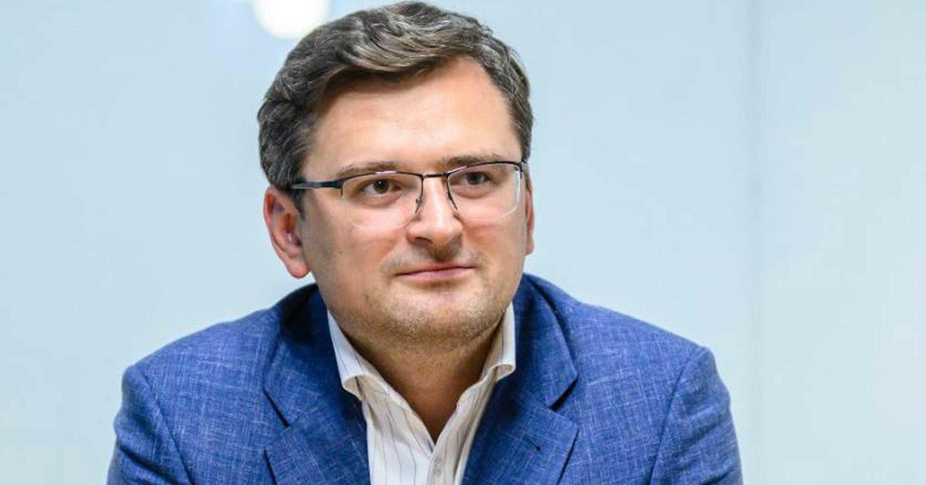 Кулеба обеспокоен перебрасыванием Россией кораблей в Азовское море