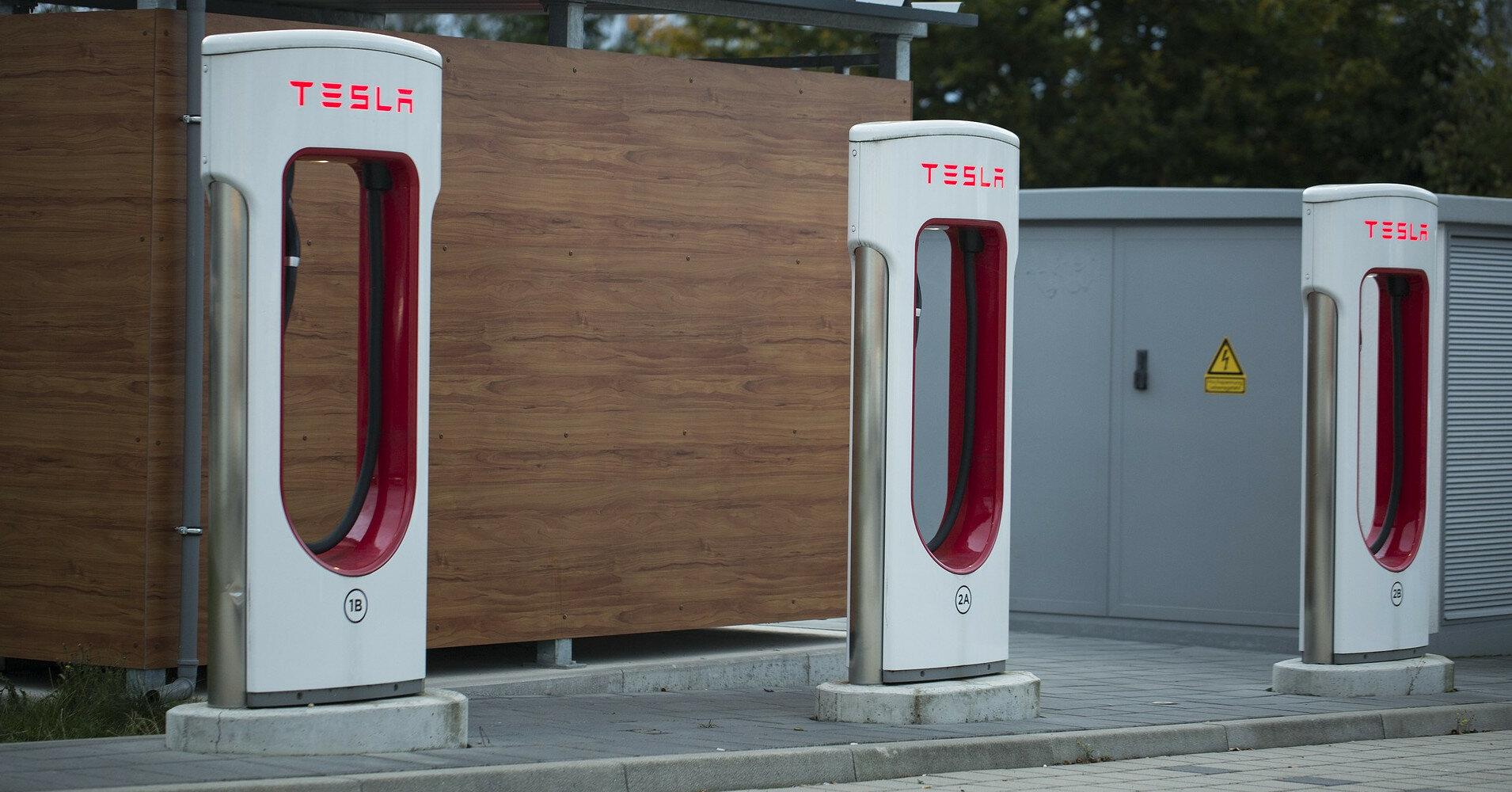 Tesla задумала открыть свою сеть ресторанов